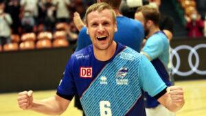 Freude bei Jakub Hrstka nach dem Sieg gegen die Eulen Ludwigshafen
